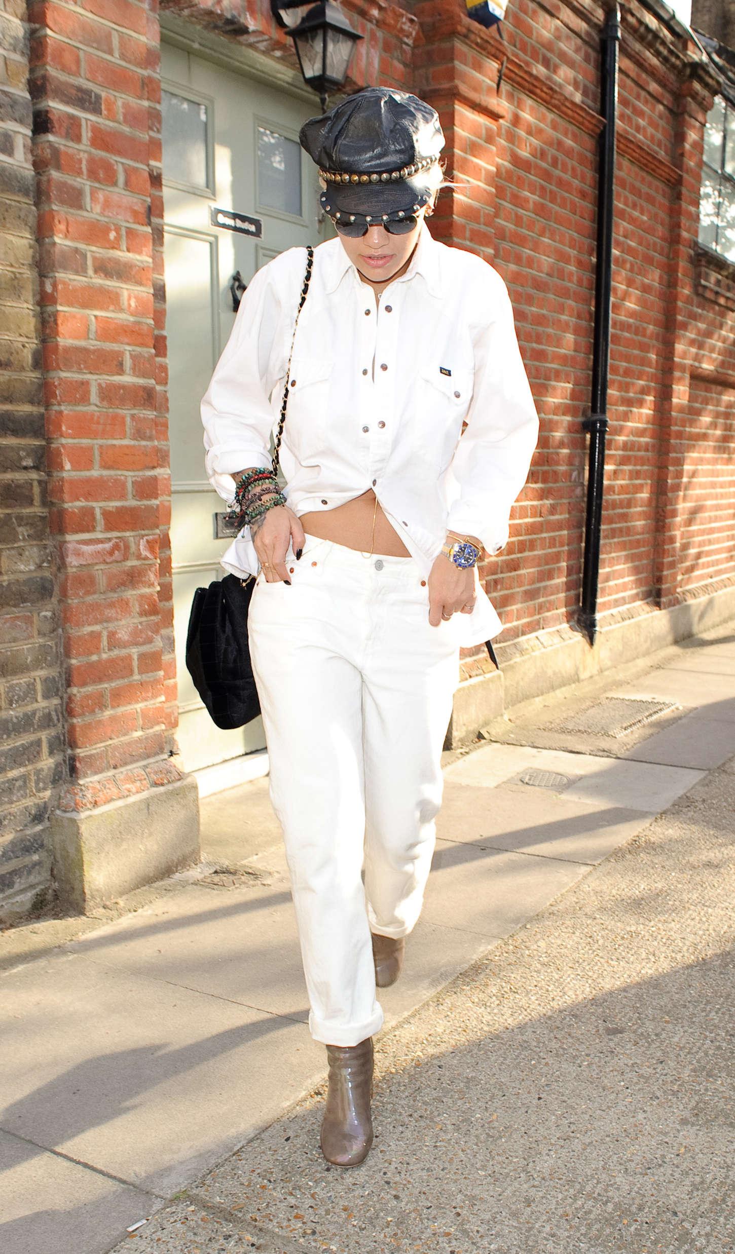 Rita Ora 2015 : Rita Ora: Leaving a Recording Studio -03