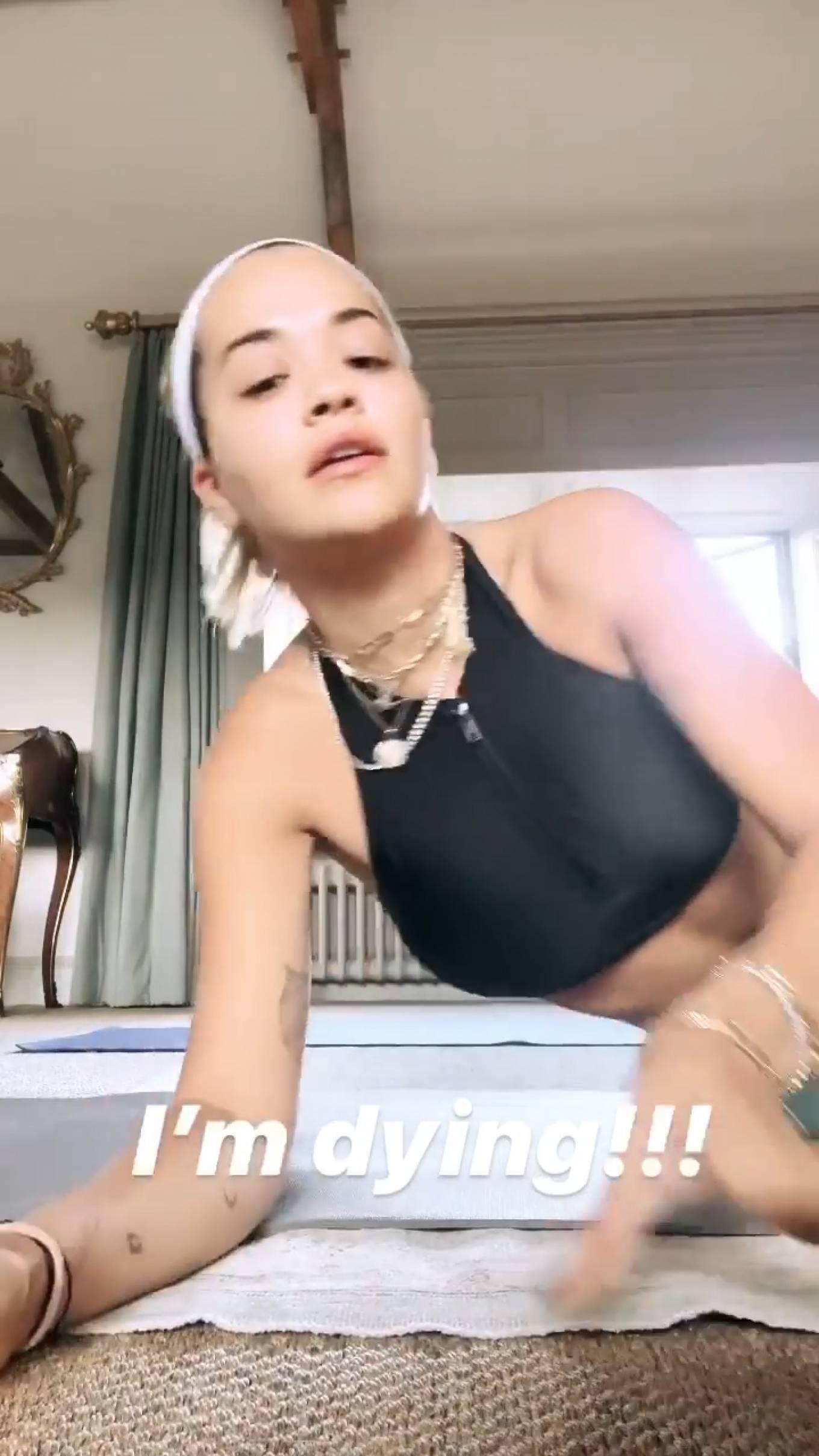 Rita Ora - Workout - Social Pisc