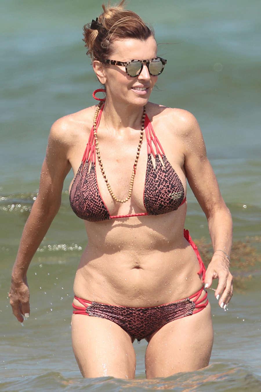Rita Rusic In Bikini 04 Gotceleb