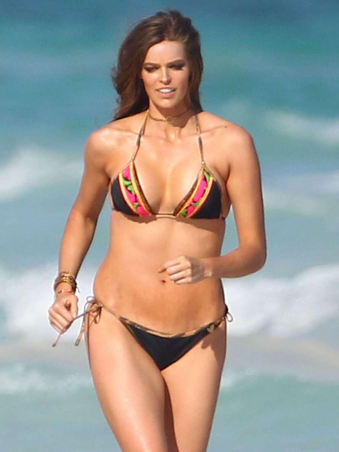 family photo shoot ideas at the beach - Robin Lawley – Bikini shoot in Cancun