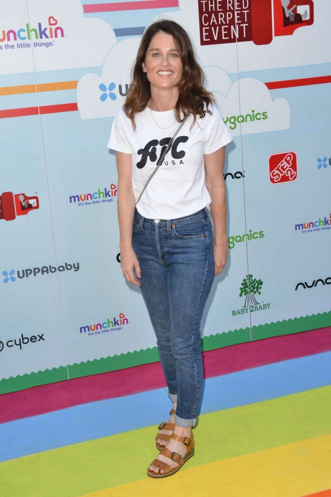 Robin Tunney – 2018 Celebrity Baby2Baby Benefit in Los Angeles