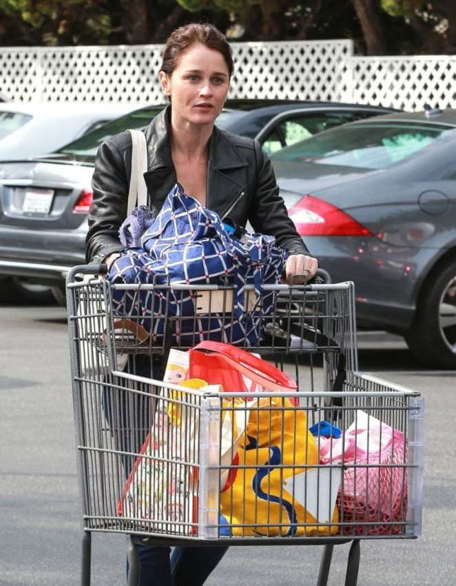 Robin Tunney at Bristol Farms in West Hollywood