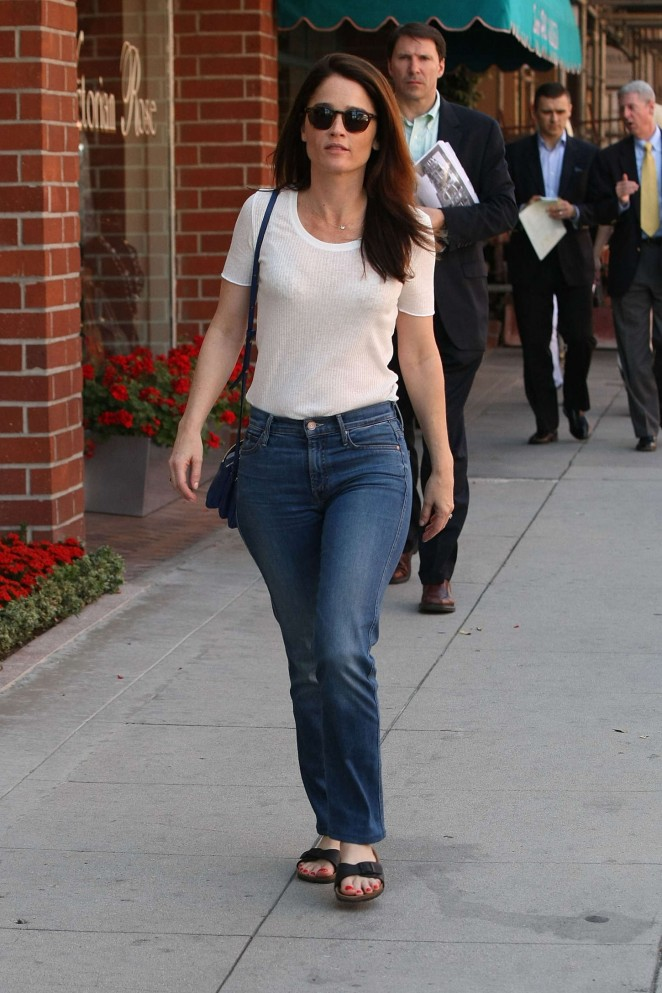 Robin Tunney – Out and about in Beverly Hills