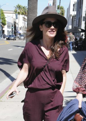 Robin Tunney out for Lunch in Beverly Hills