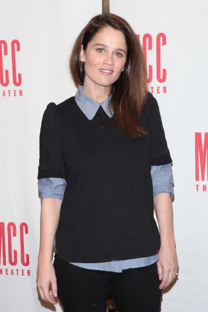 Robin Tunney – 'SMOKEFALL' Meet The Press Event in New York