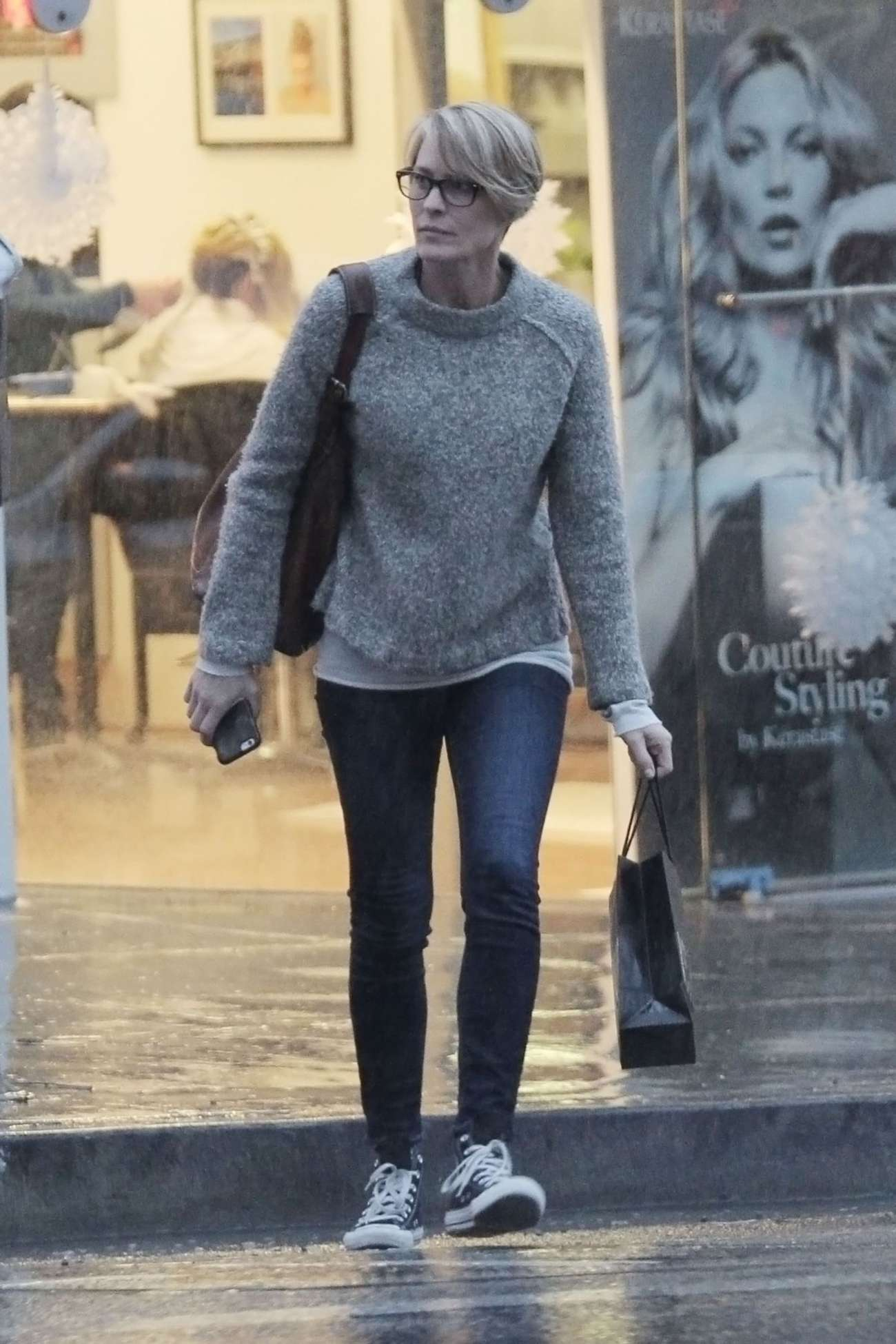 Robin Wright - Shopping in Bentwood