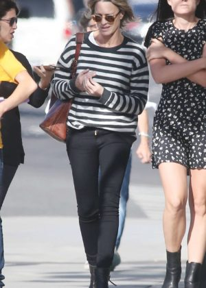 Robin Wright - Walk with her friends in West Hollywood