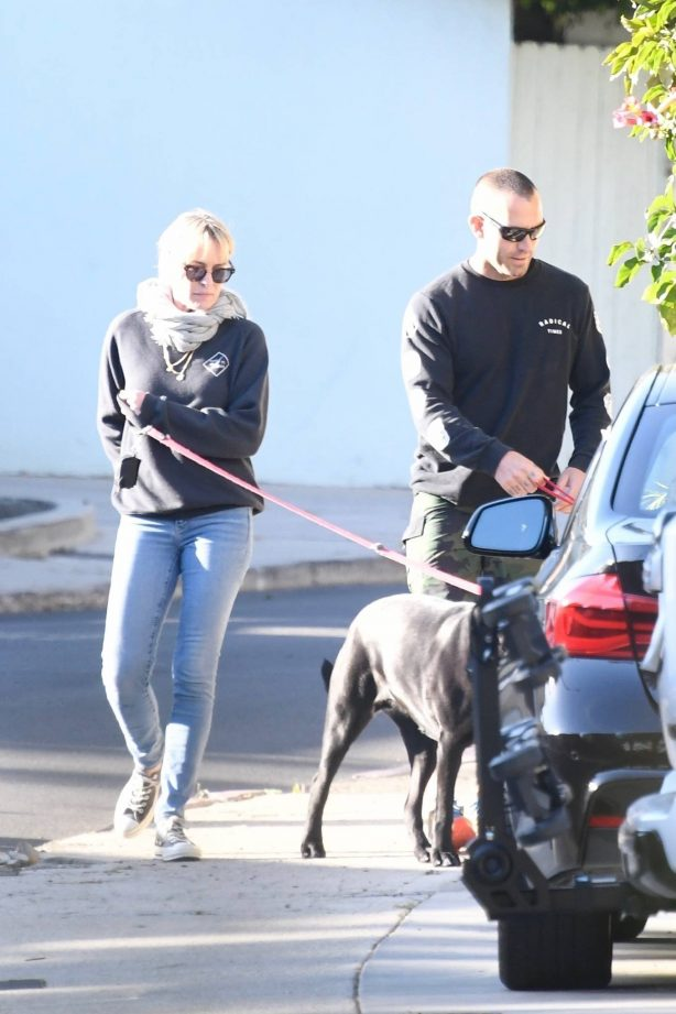 Robin Wright - With her husband Clement Giraudet take their dogs out in Brentwood