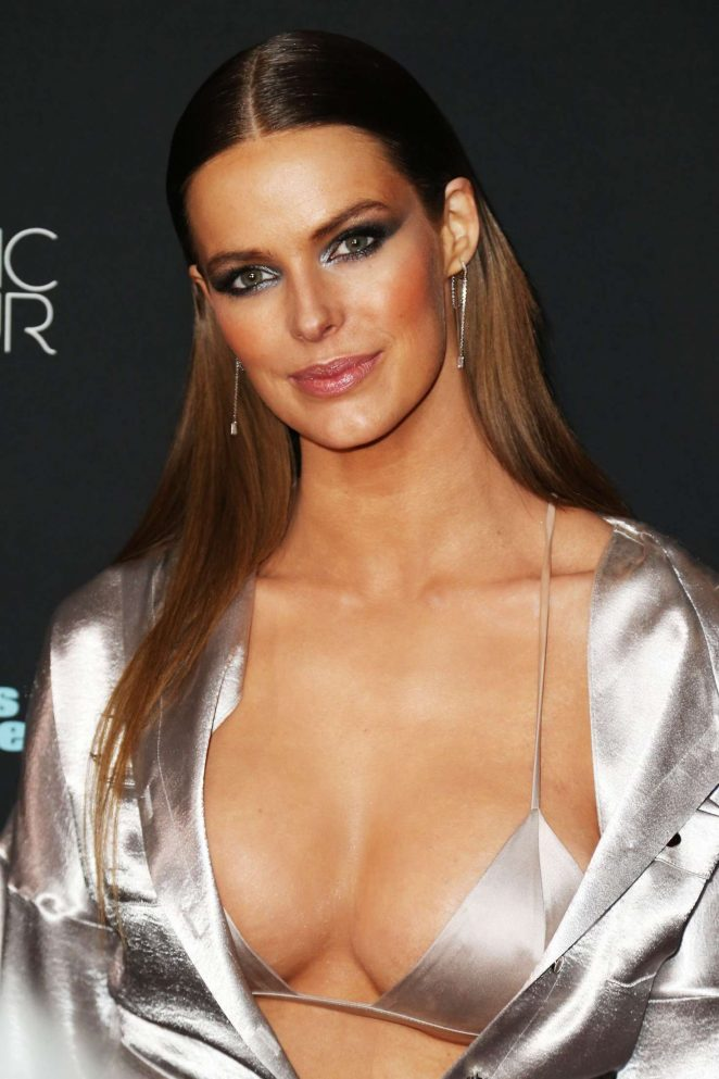 Robyn Lawley – Sports Illustrated Swimsuit 2018 Launch Event in NY
