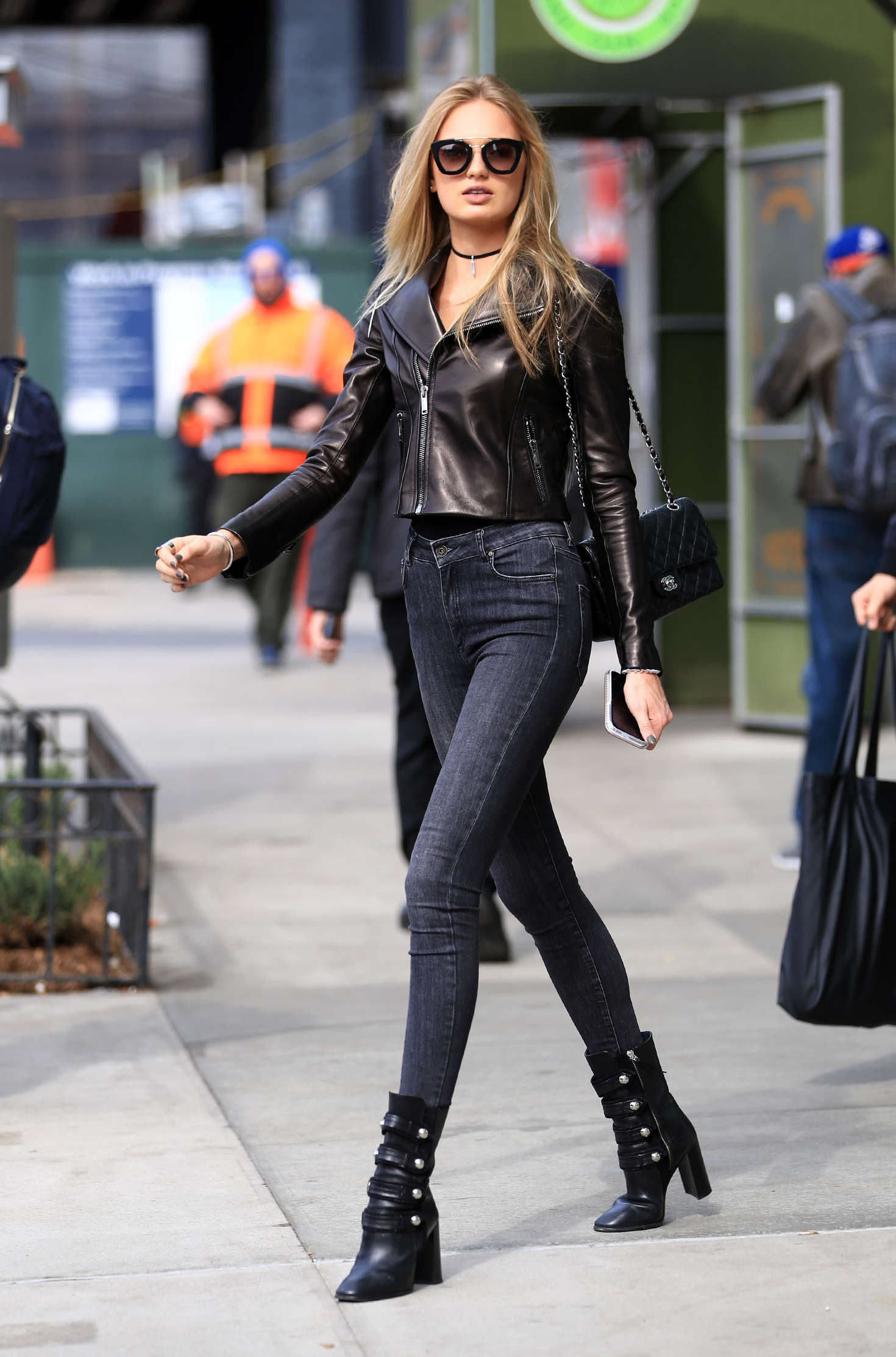 romee strijd i skinny jeans out in new york. Black Bedroom Furniture Sets. Home Design Ideas