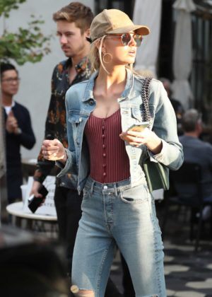 Romee Strijd out for lunch at Zinque Cafe in West Hollywood