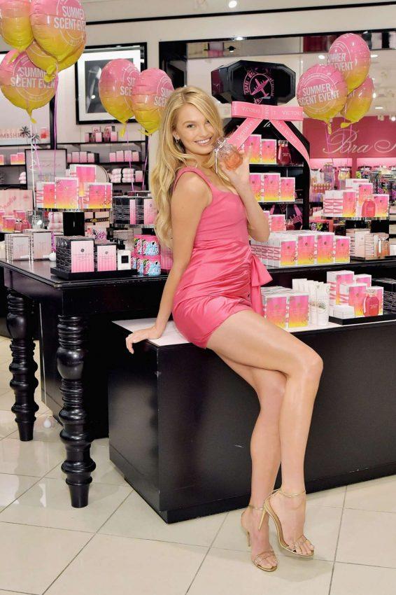Romee Strijd – Summer Scent Event at Victorias Secret-03