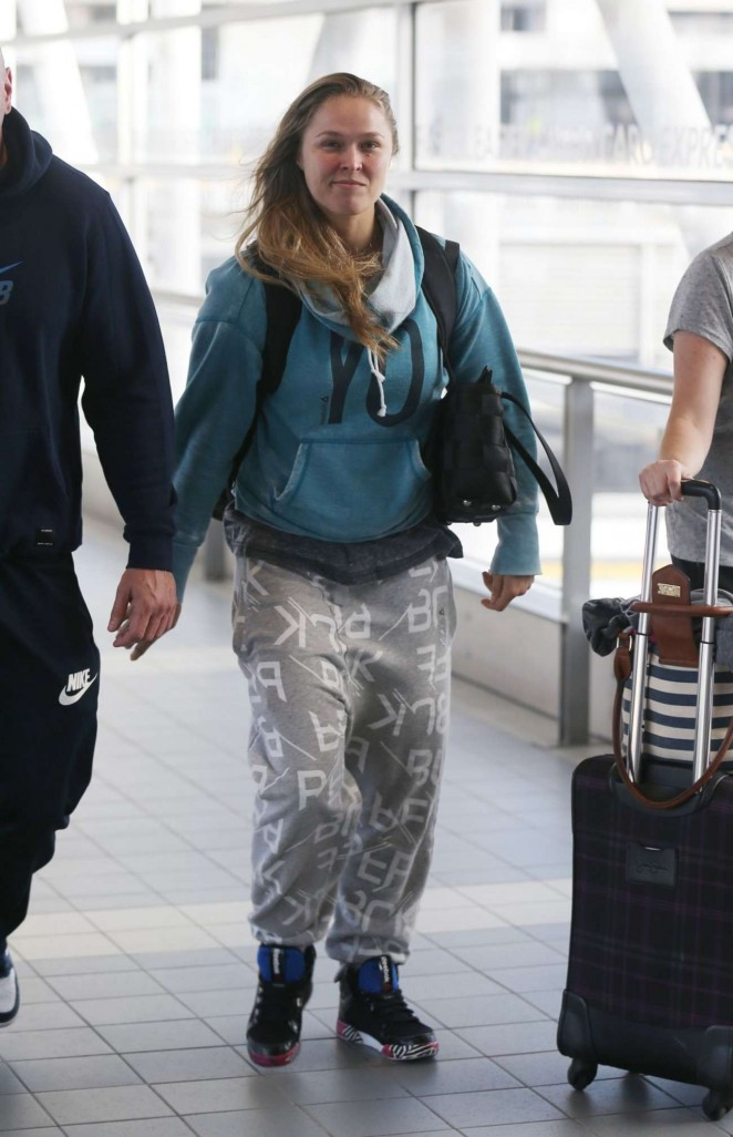Ronda Rousey - Arriving at Airport in Melbourne