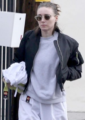 Rooney Mara - Arrives at her Karate Class in Beverly Hills