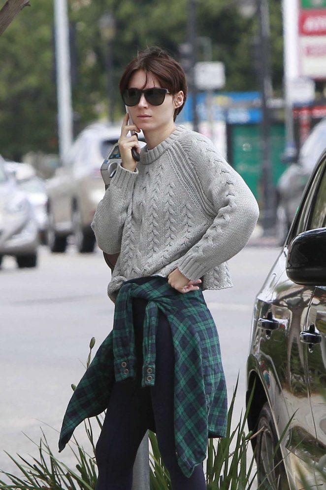 Rooney Mara - Arriving at a meeting in LA