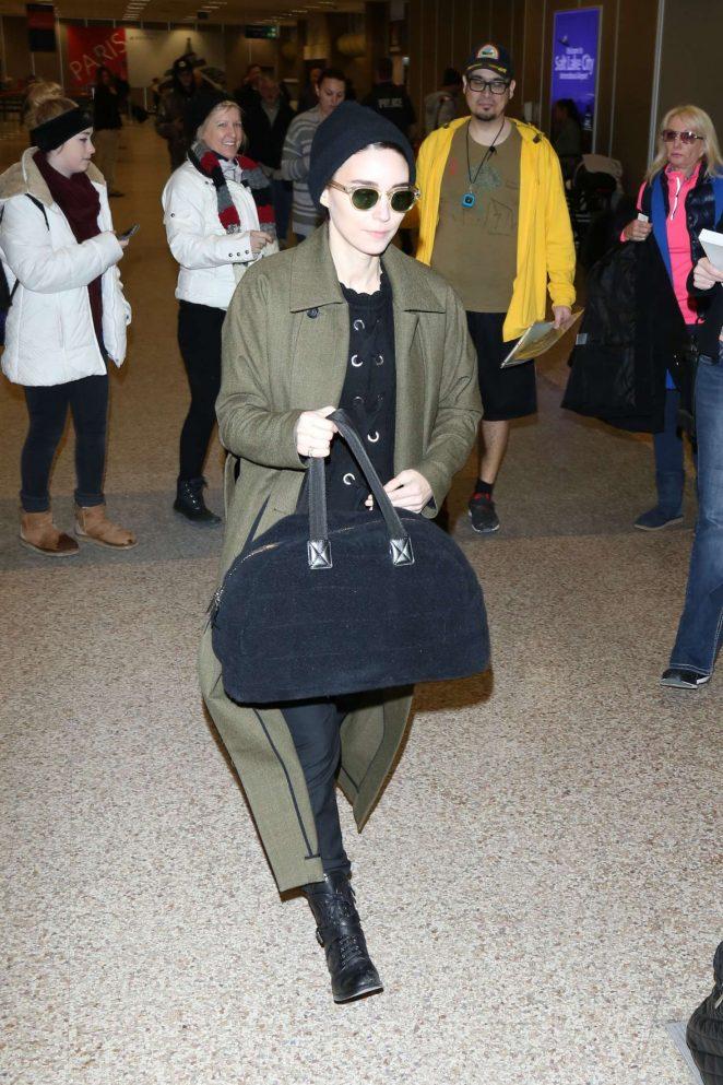 Rooney Mara - Arriving at Salt Lake City Airport
