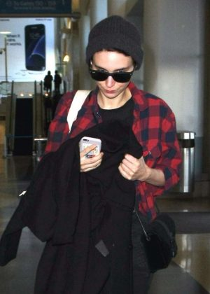 Rooney Mara at Los Angeles International Airport