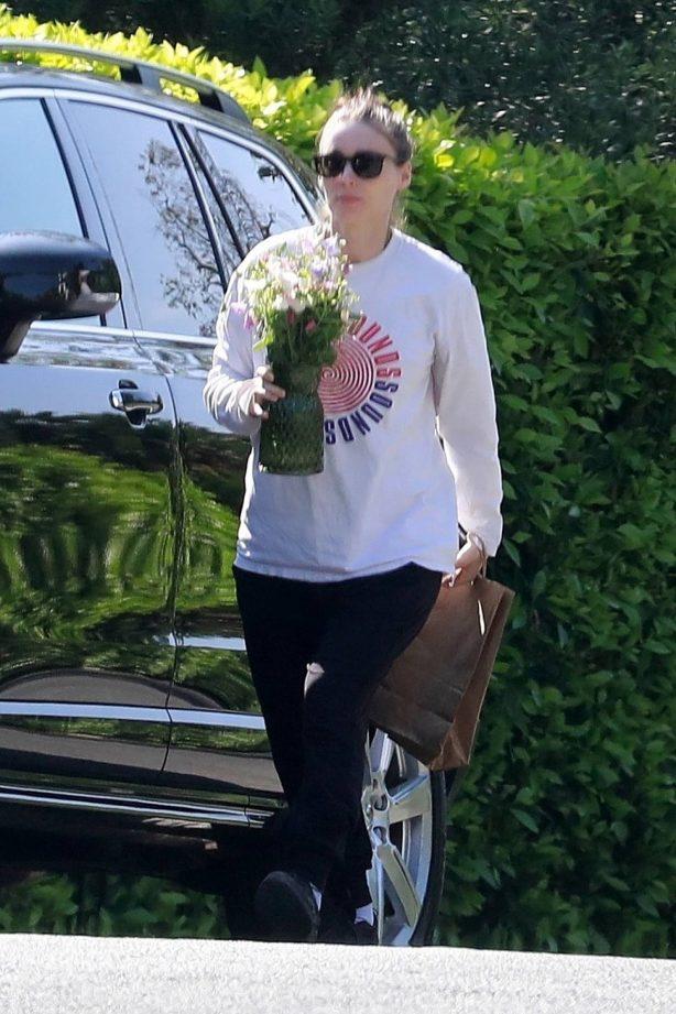 Rooney Mara - Brings sister Kate flowers for Mother's Day in Los Feliz