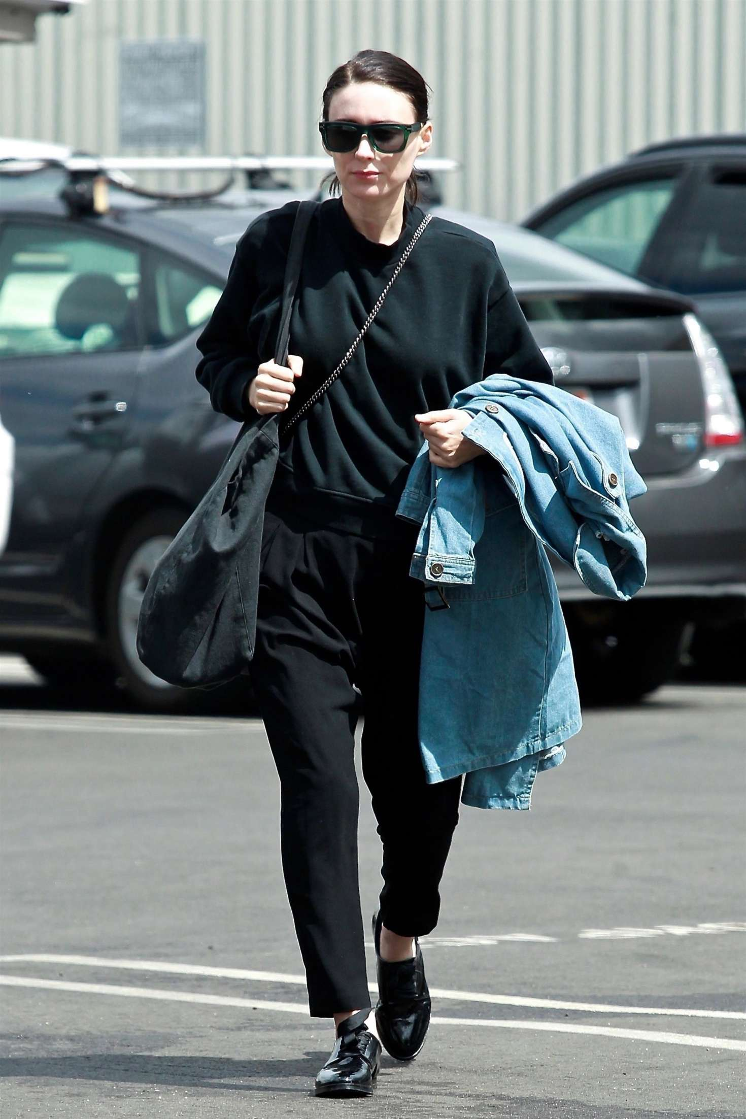 Rooney Mara 2018 : Rooney Mara in Black Out in Los Angeles -04