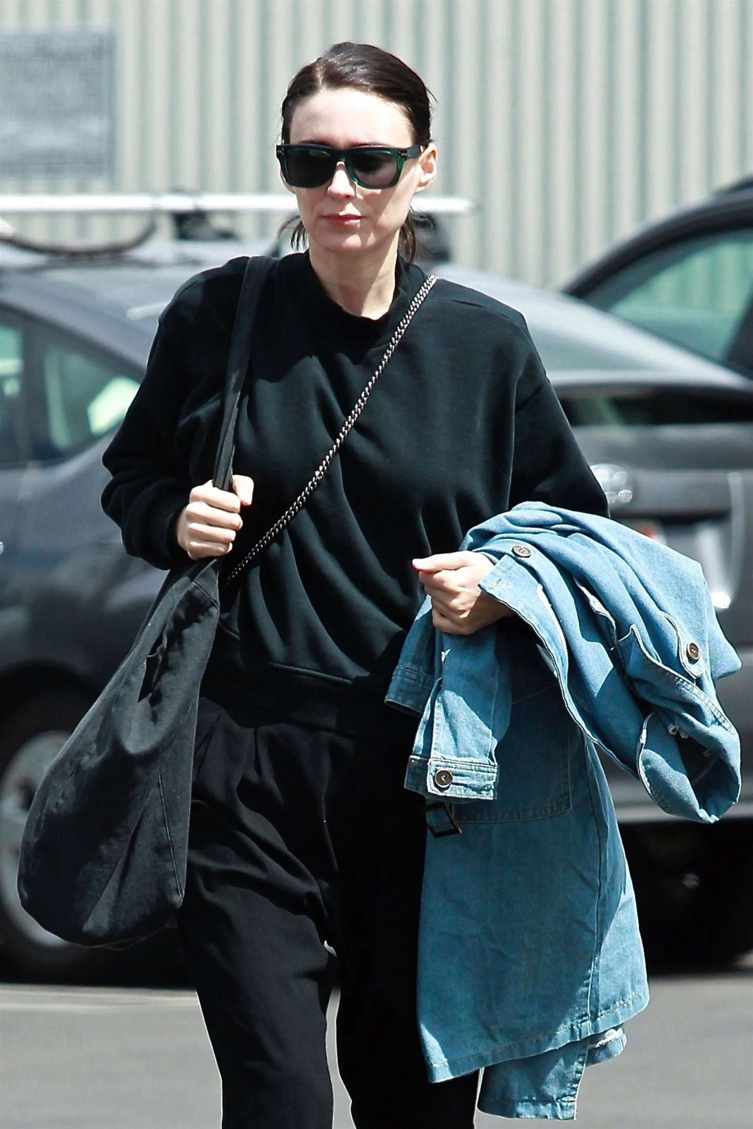 Rooney Mara 2018 : Rooney Mara in Black Out in Los Angeles -05