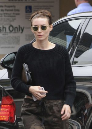Rooney Mara Leaves a medical building in Beverly Hills