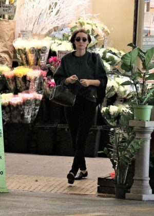 Rooney Mara - Leaving a grocery store in Beverly Hills
