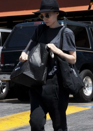 Rooney Mara - Out and about in Los Angeles