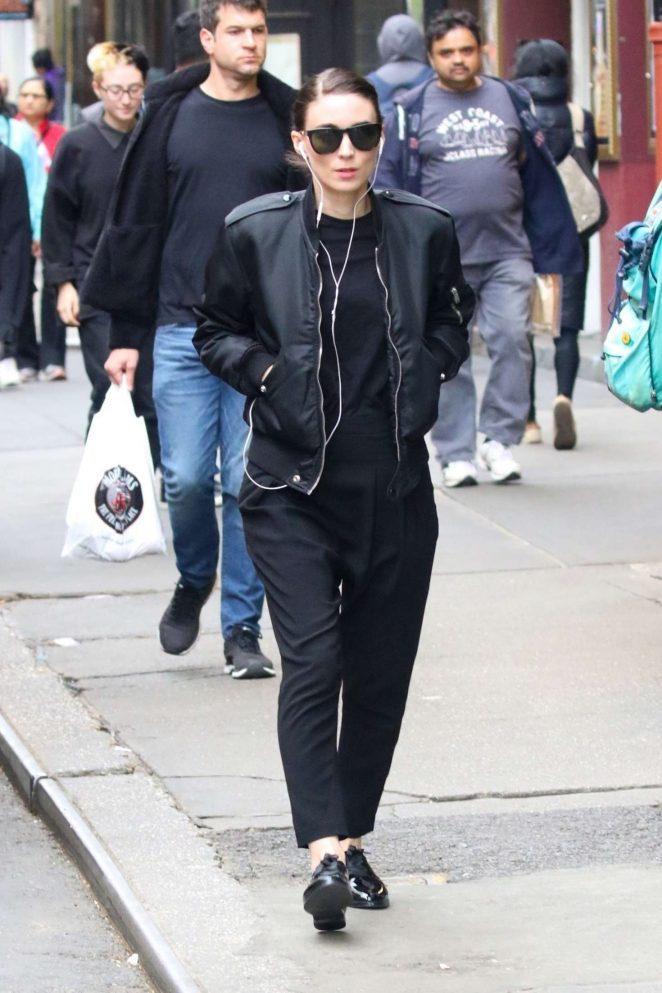 Rooney Mara - Out and about in New York City