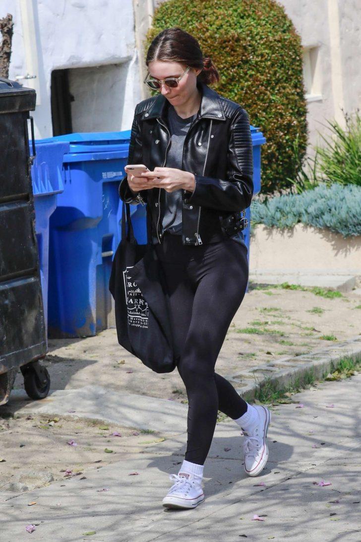 Rooney Mara 2019 : Rooney Mara: Out in Los Angeles -03
