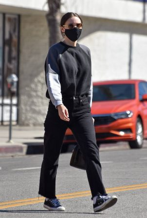 Rooney Mara - Running some errands in Studio City