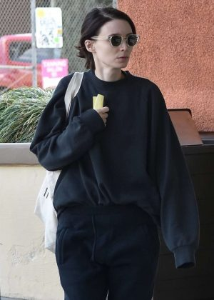 Rooney Mara - Shopping in LA