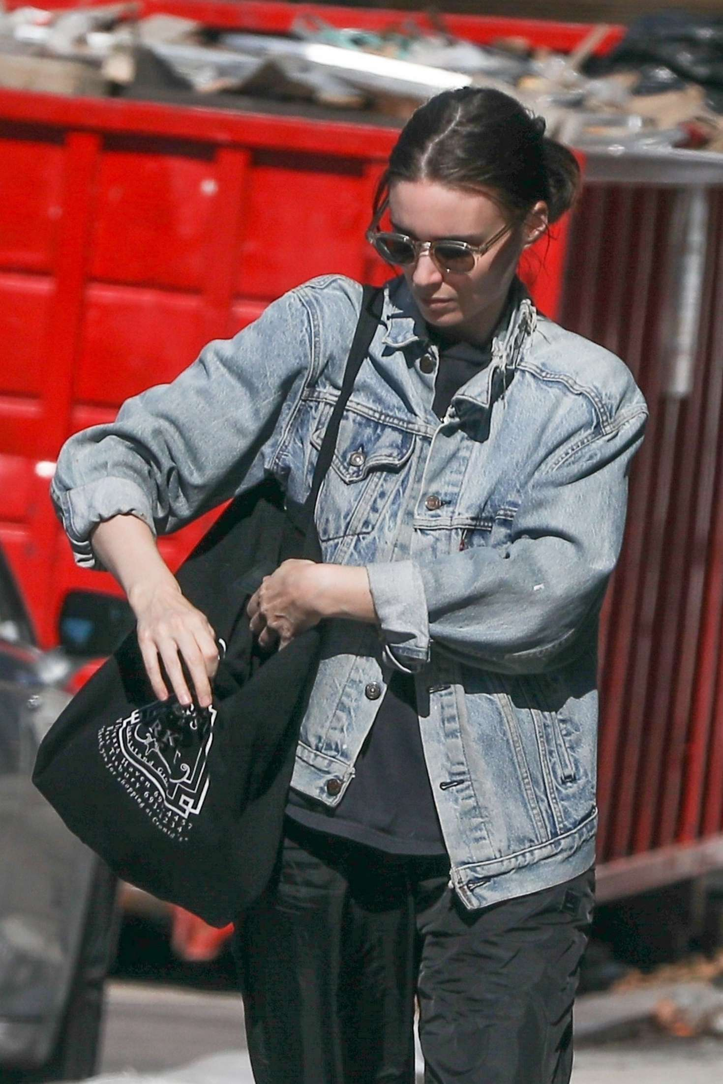 Rooney Mara - Shopping in West Hollywood
