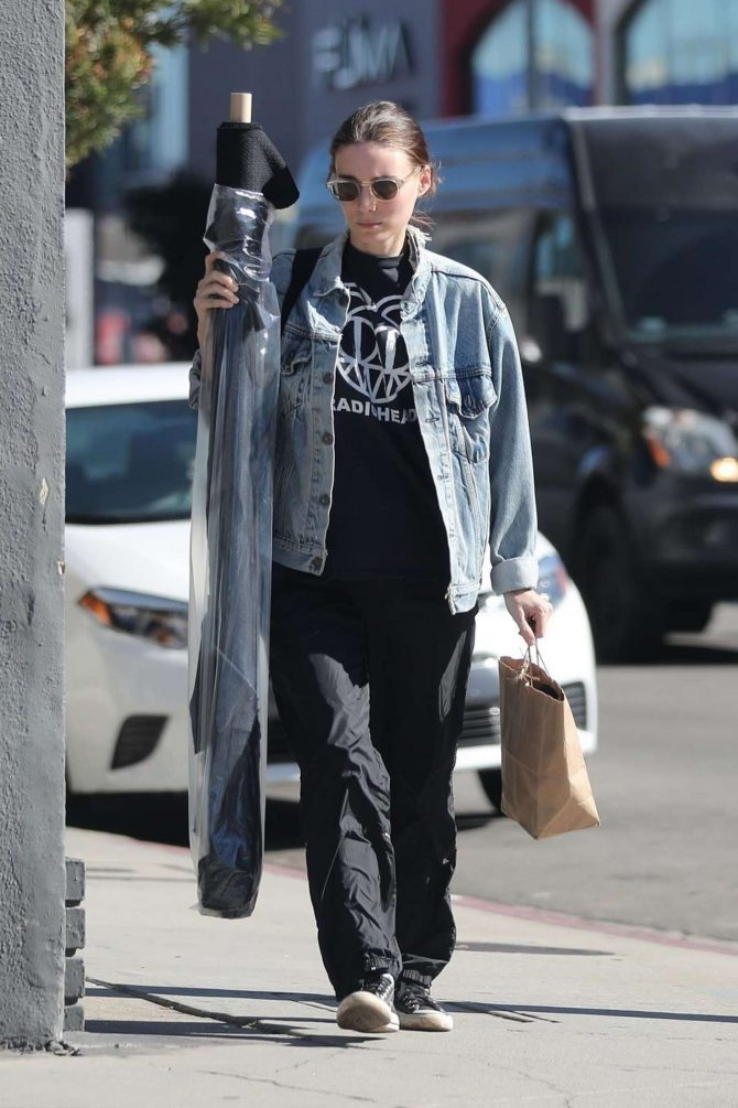 Rooney Mara: Shopping in West Hollywood -05