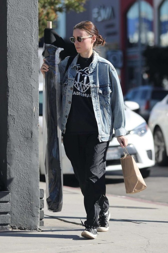 Rooney Mara: Shopping in West Hollywood -06