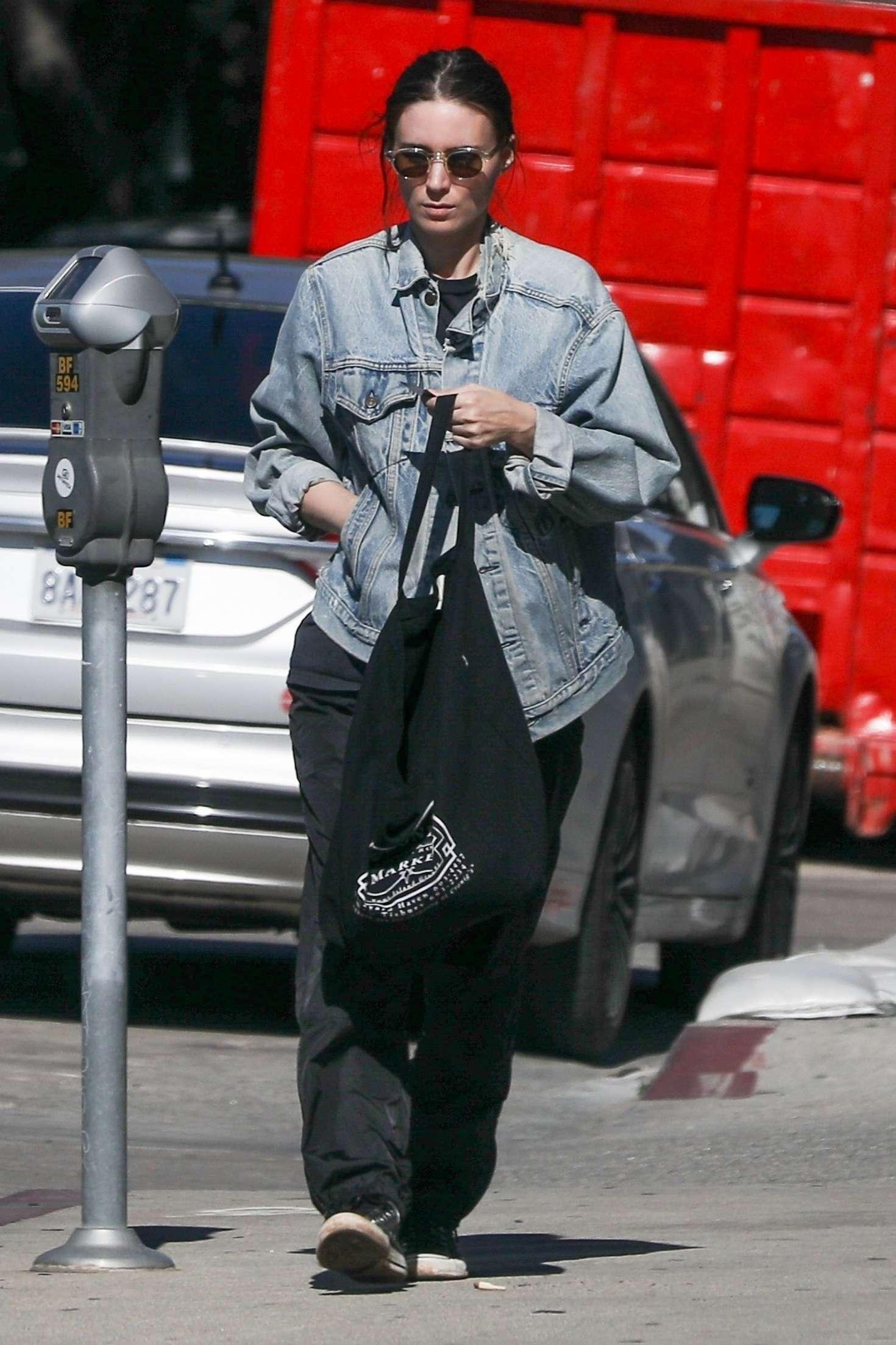 Rooney Mara 2019 : Rooney Mara: Shopping in West Hollywood -08
