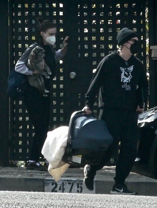 Rooney Mara - Visits sister Kate with her baby in Los Feliz
