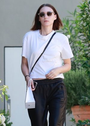 Rooney Mara - Visits the hair salon in West Hollywood