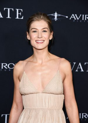 Rosamund Pike - 'A Private War' Premiere in Beverly Hills