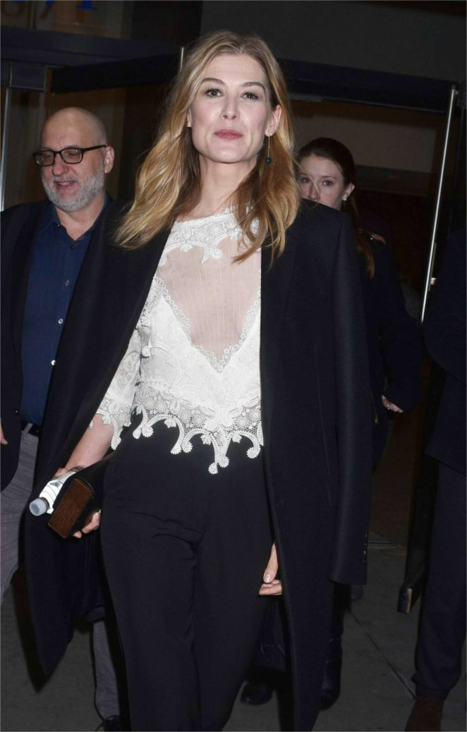 Rosamund Pike - Arrives at a Screening for 'Hostiles' in New York City