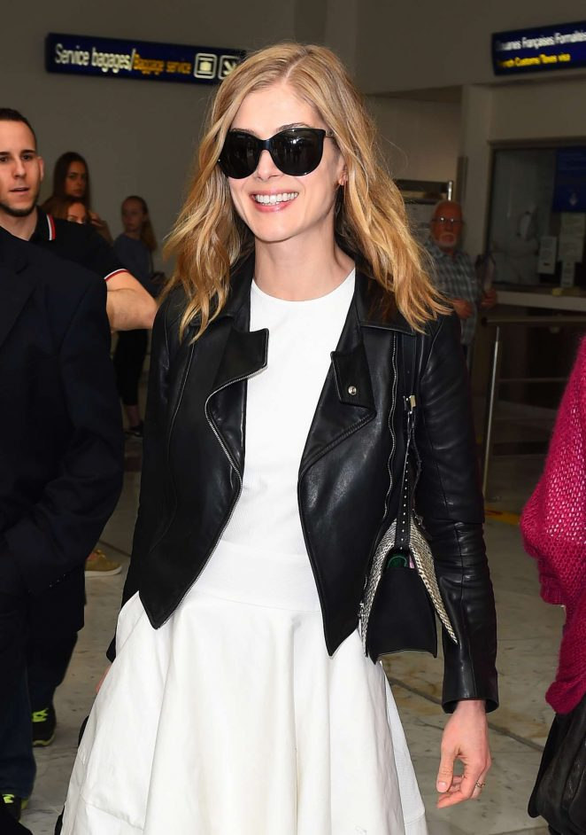 Rosamund Pike Arrives at Nice Airport in Cannes