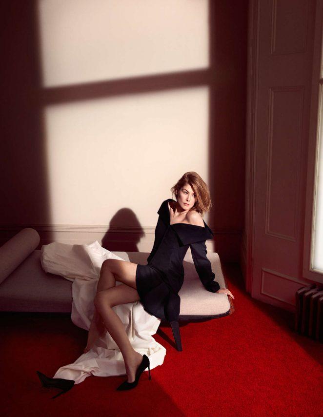Rosamund Pike: Dior 2016 -01