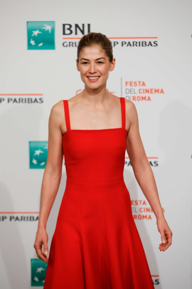 Rosamund Pike - 'Hostiles' Photocall at 12th Annual Rome Film Festival in Rome