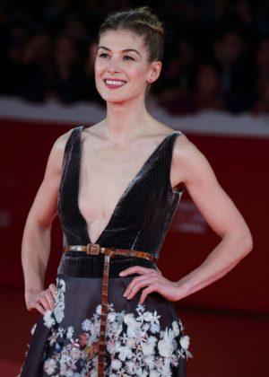 Rosamund Pike - 'Hostiles' Premiere at 2017 Rome Film Festival in Rome