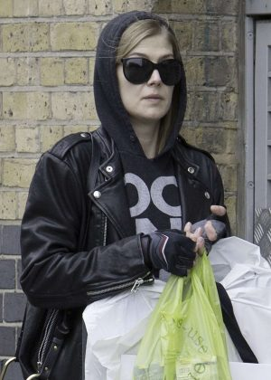 Rosamund Pike picking up her dry cleaning in North London