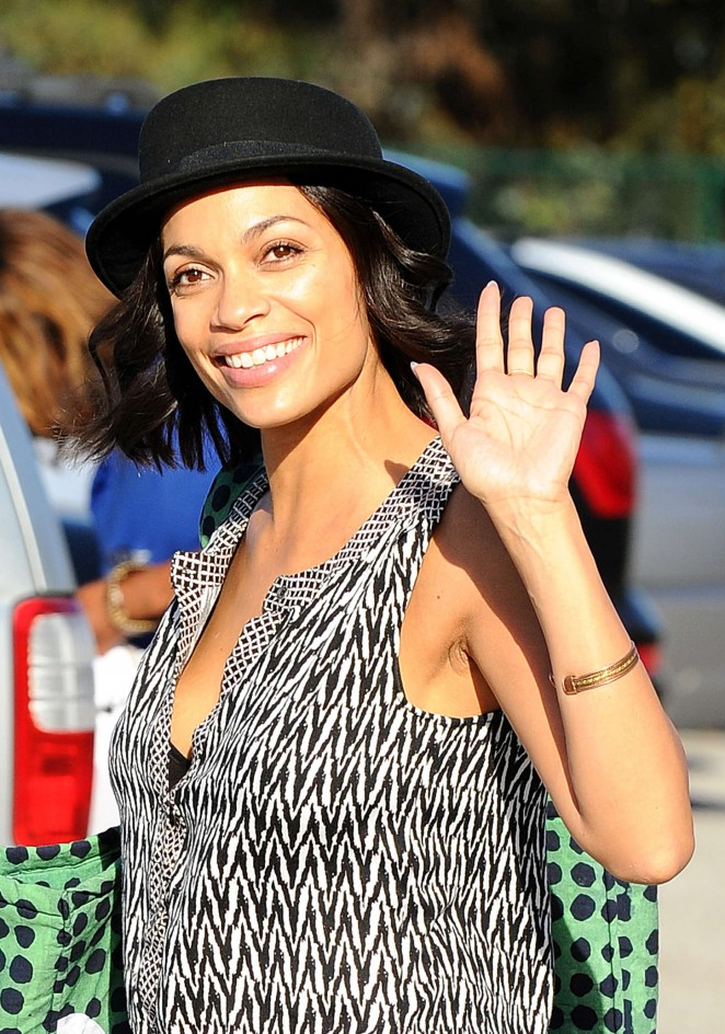 Rosario Dawson: Filming in Los Angeles -11