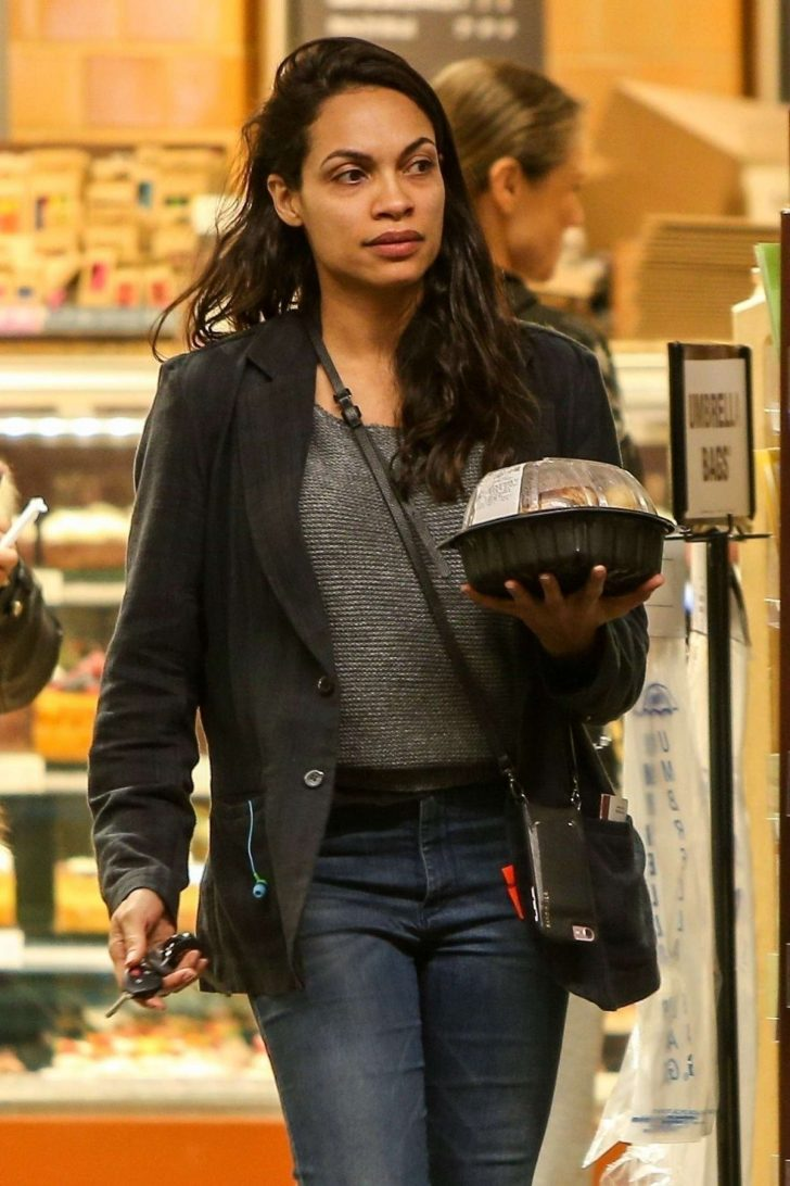 Rosario Dawson - Shopping at Whole Foods Market in Beverly Hills
