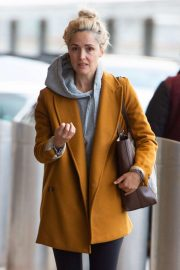 Rose Byrne - Arrives at JFK Airport in NYC