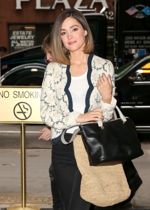 Rose Byrne - Arriving at her hotel in NYC