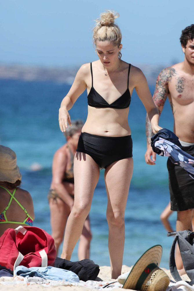 Rose Byrne in Bikini at Bondi Beach in Sydney