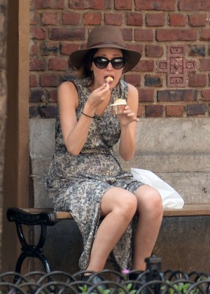Rose Byrne Out For Ice Cream in NY